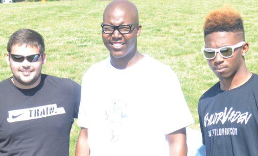 Reagan Raiders unite for  student athlete battling cancer