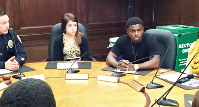 Campus cops hear students' grievances