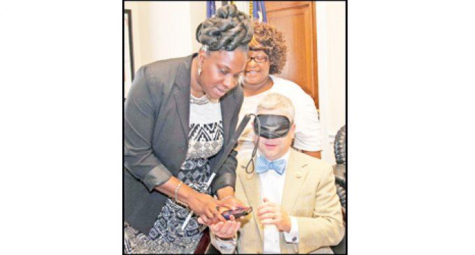 Local women give congressman Blind Sensitivity Training