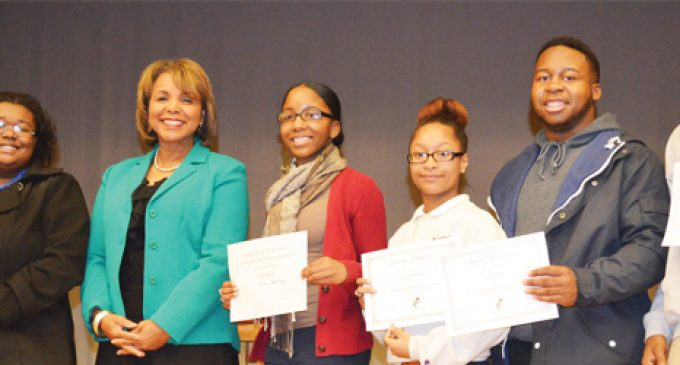 Starke inspires honor students