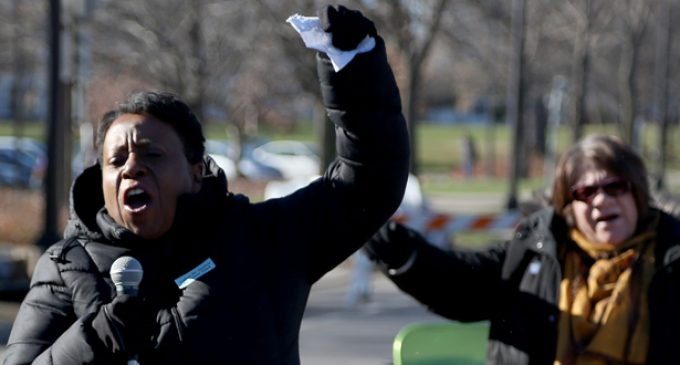 Minneapolis protesters demand police killing video