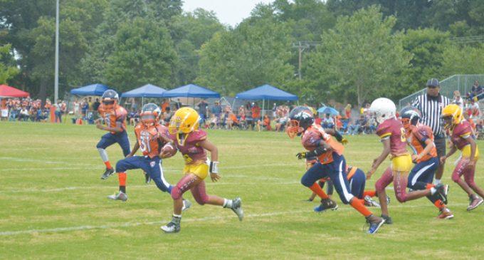 Youth football leagues kick off season