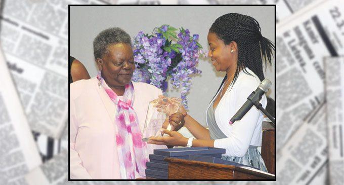 Nearly 100 help honor community leaders
