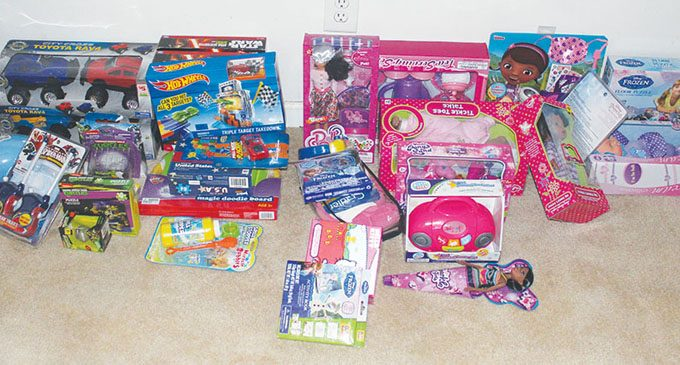 Nonprofit delivers clothing, toys for the holidays