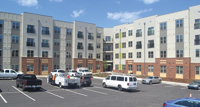 757 North apartment complex celebrates grand opening
