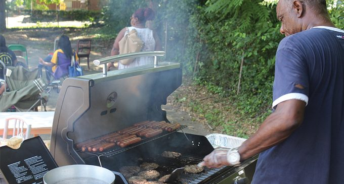 Fellowship and food: Church holds a service without walls to reach community