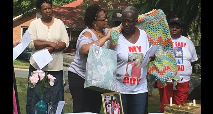 Local ministry holds vigil to remember
