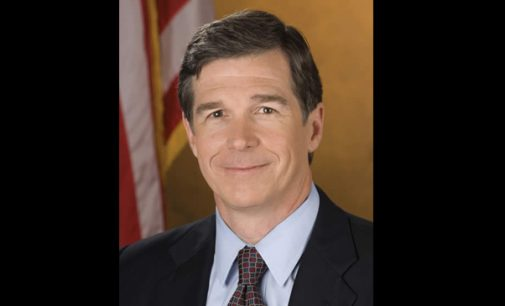 Gov. Cooper signs order to help minority biz contractors