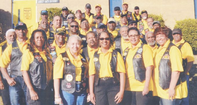 Motorcycle club delivers 25 Thanksgiving boxes to local residents