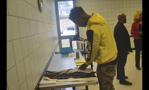 Community center prepares residents for career fair