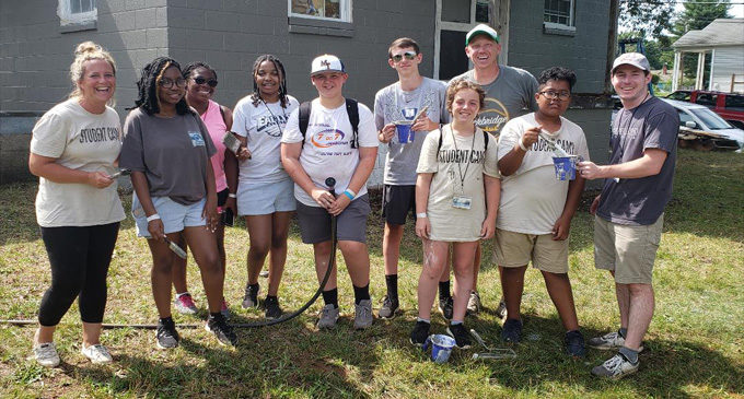 Love Out Loud summer campers renovate homes for vets